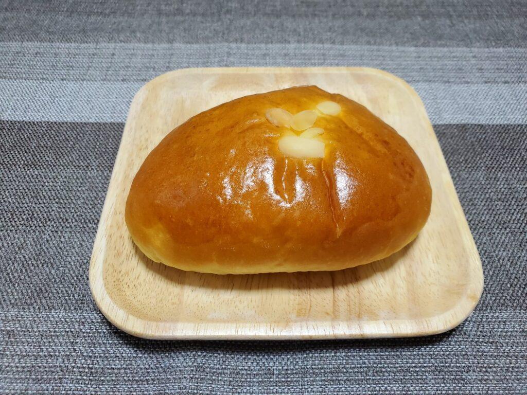 ハウネベーヤー クリームパン